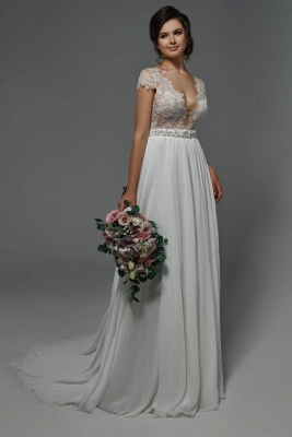 Schlichtes Hochzeitskleid mit Spitze | Etuikleider Brautkleider