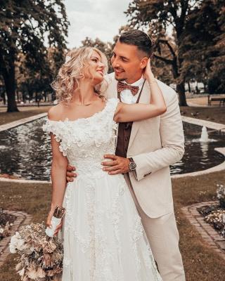 Schöne Hochzeitskleider A Linie Spitze | Brautmoden Brautkleider Günstig_2